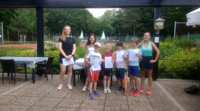DTB-Tennis-Sportabzeichen für die Kohlhecker Sommercamp-Kids